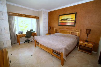 Schöne 2 Bett Wohnung in der Nähe zum Strand