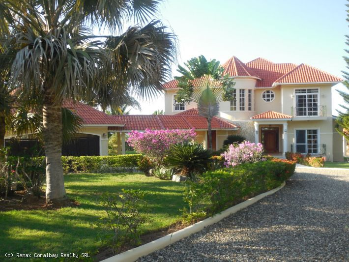 Estate Calibre Home in der A + Gated Community