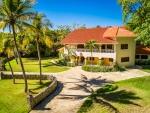 Villa entièrement remodelée sur une grande propriété de la communauté 5 *