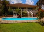 Una encantadora villa con un precioso patio ajardinado - YA A LA VENTA PARA EL VERANO!