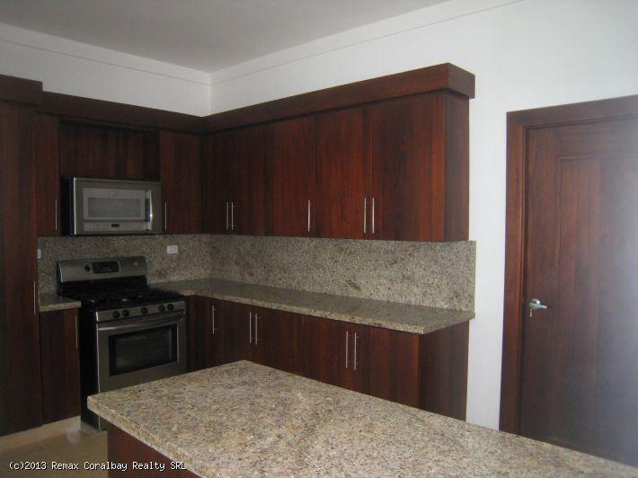 2 Massive Level, 5 Bedroom Beachfront Penthouse