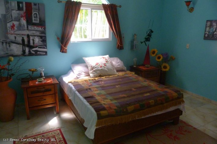 3 bedroom Villa ..... ¡PASEO CORTO A LA PLAYA!