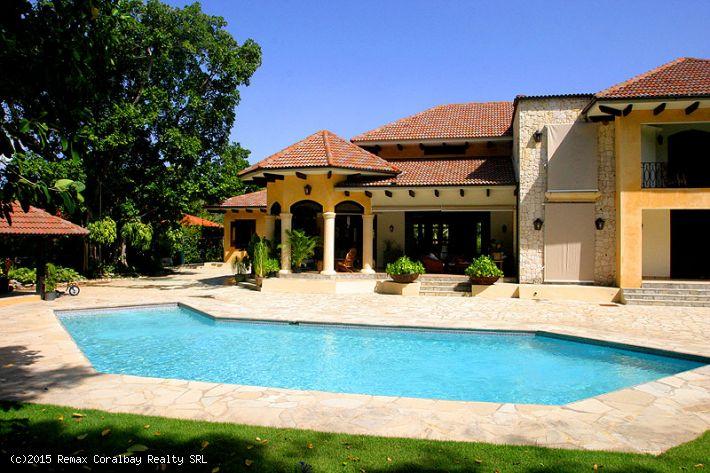 Superior Tropical Garden Villa