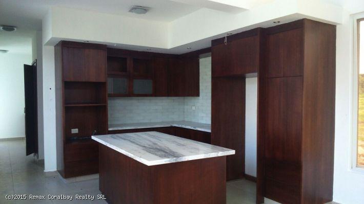 Neue und moderne Villa in Wohnanlage