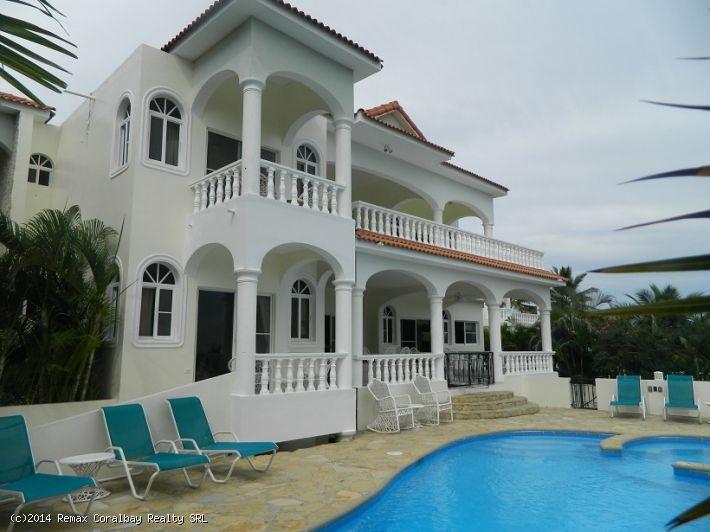 Maison de luxe avec vue magnifique sur l'océan!