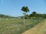 Terreno de gran edificio cerca de la playa