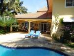 REDUZIERT !!! Private zweistöckige Villa mit integrierter ...