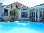 Grande villa avec plan d'étage unique ........